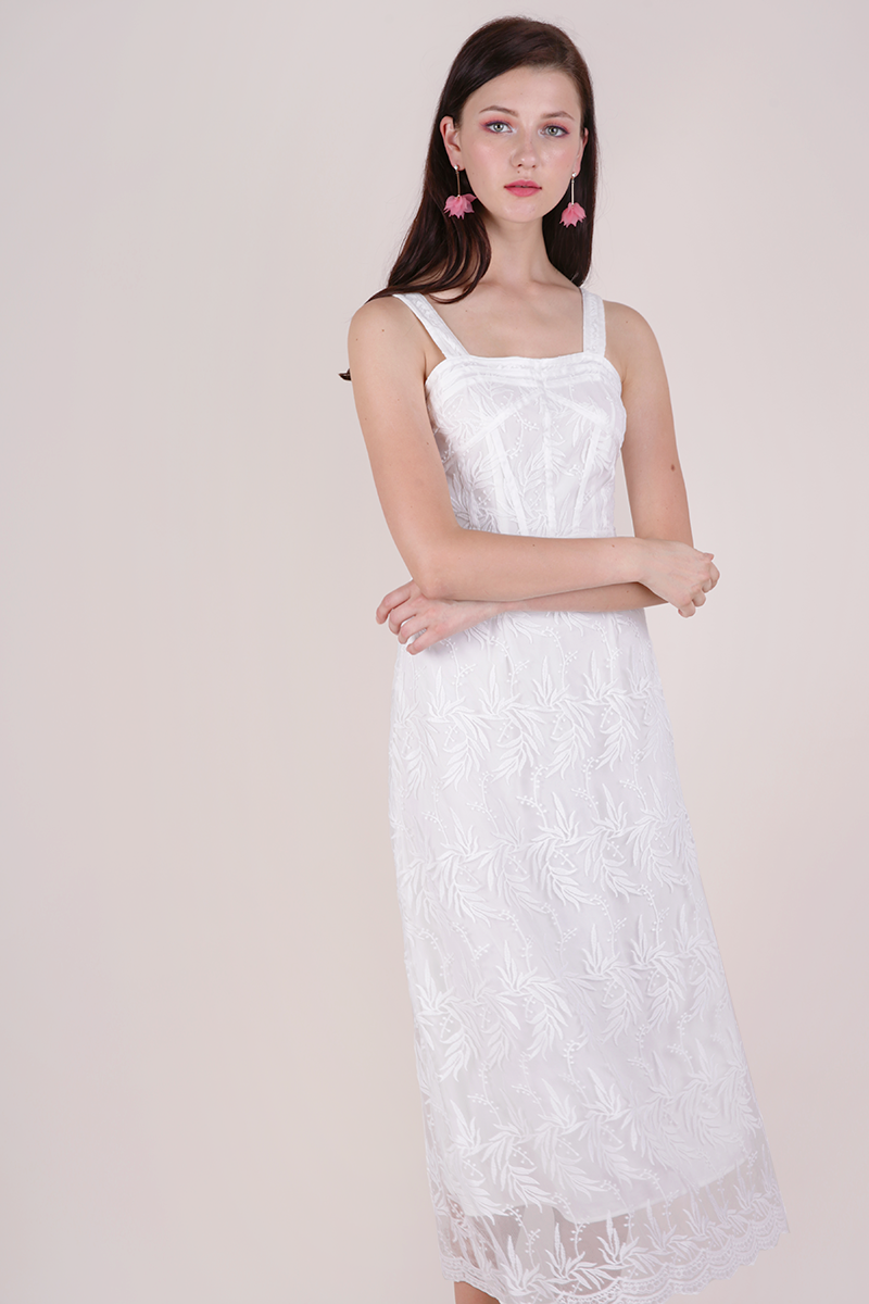 15f35cc182d Isabel Mesh Embroidery Dress (White)