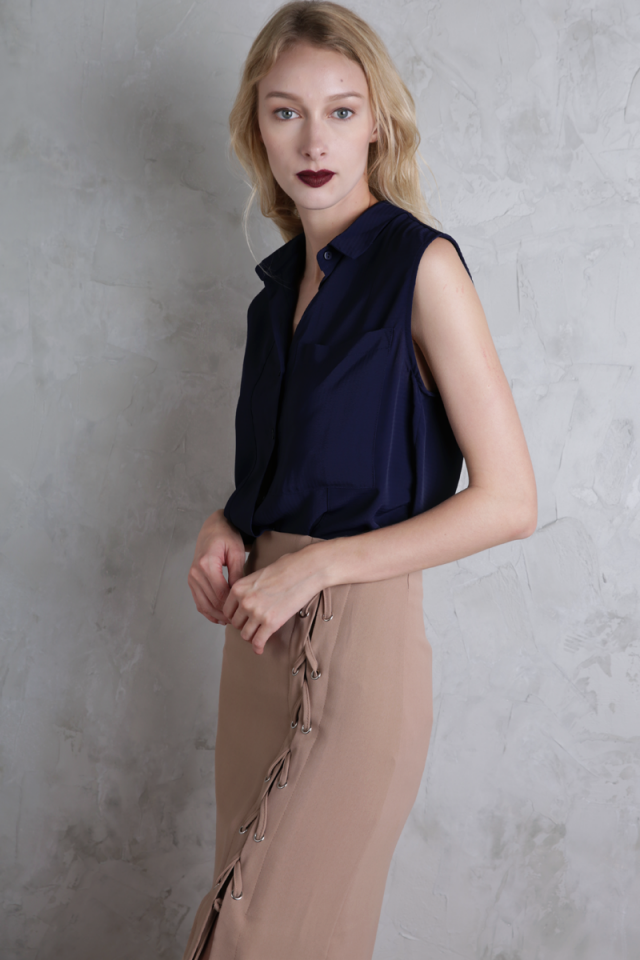 Lynn Split Side Shirt (Navy)