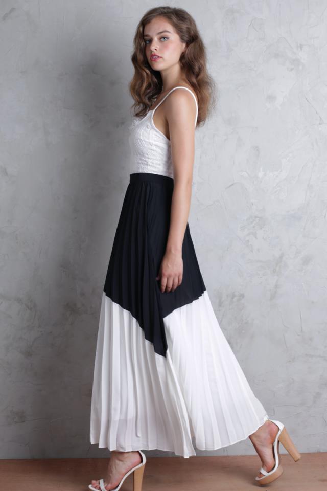 Blanca Pleated Colourblock Skirt (Black/White)