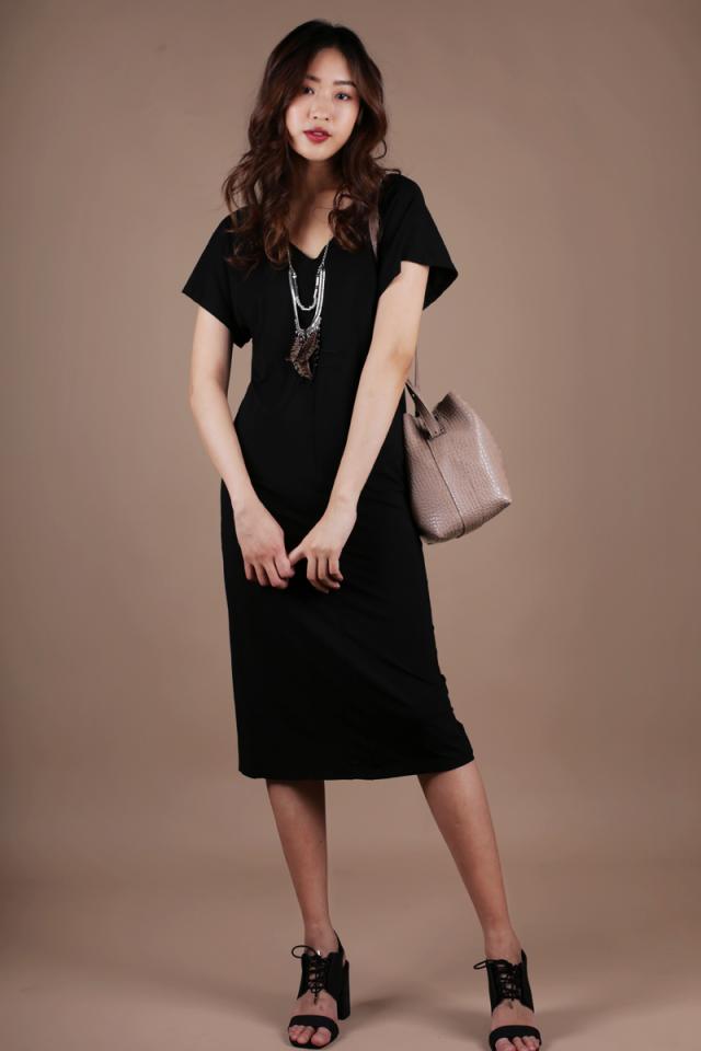 Vena Basic Sleeved Dress (Black)