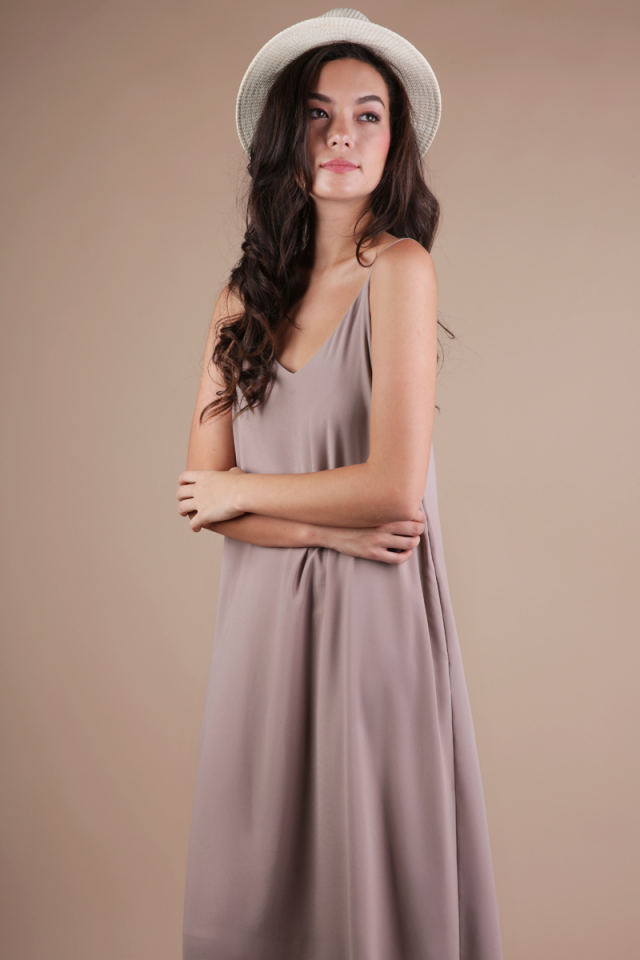 Faye Maxi Dress (Taupe)