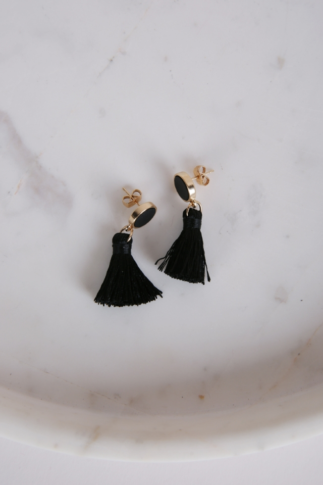 Tacai Round Tassel Earrings (Black)
