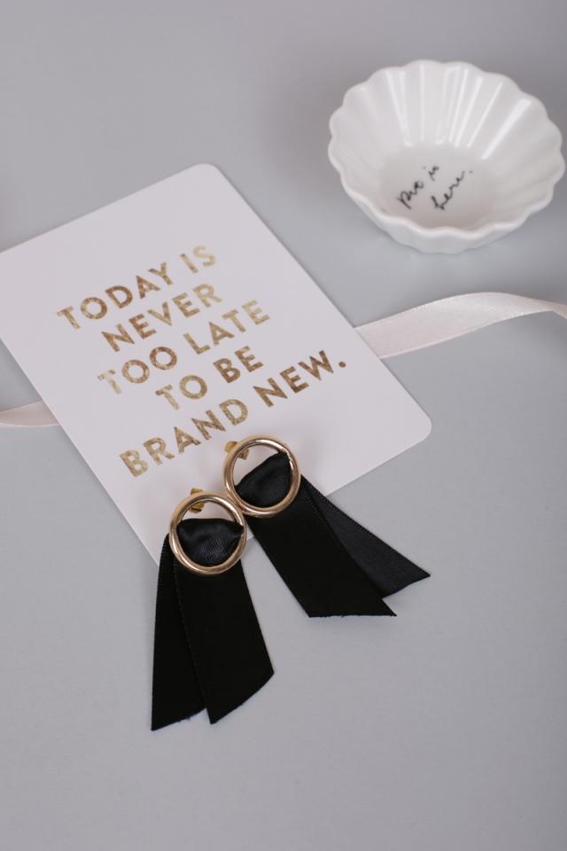 Bair Ribbon Earrings (Black)