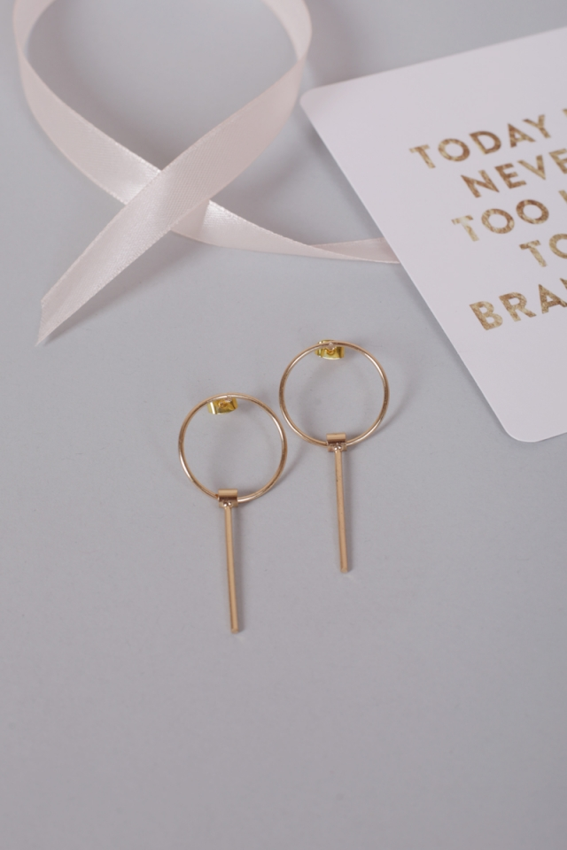 Tai Earrings (Gold)