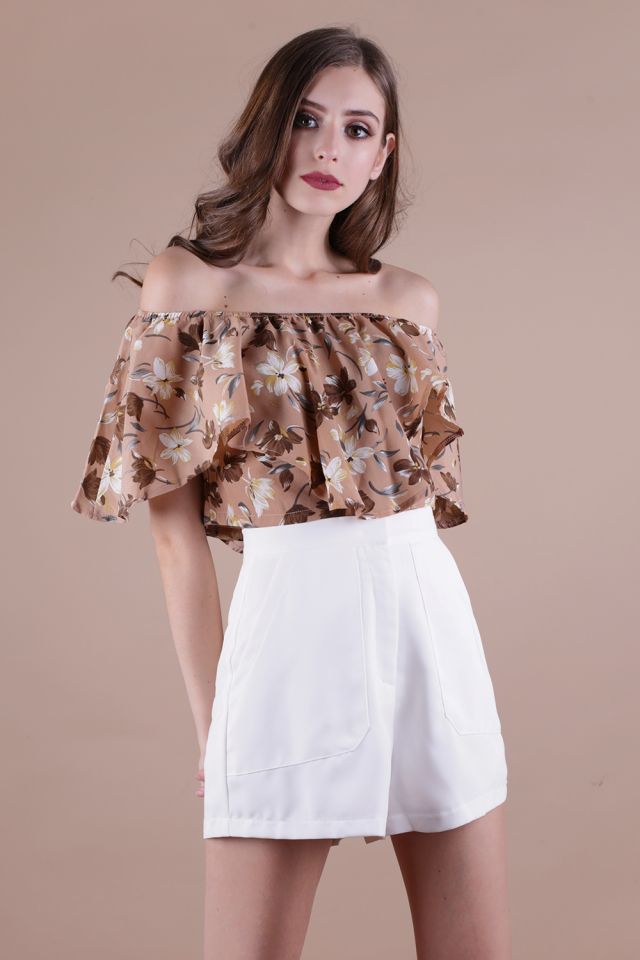Tyra Off Shoulder Top (Sand Florals)