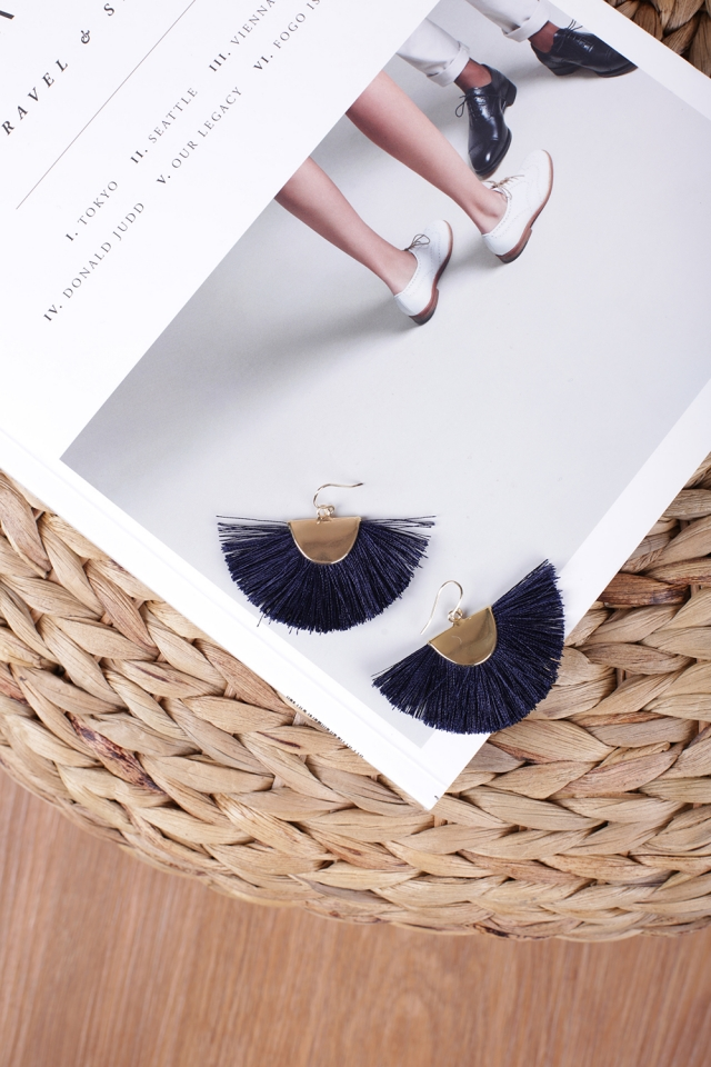 Lara Fan Earrings (Navy)