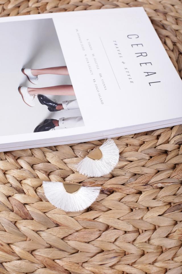 Lara Fan Earrings (White)