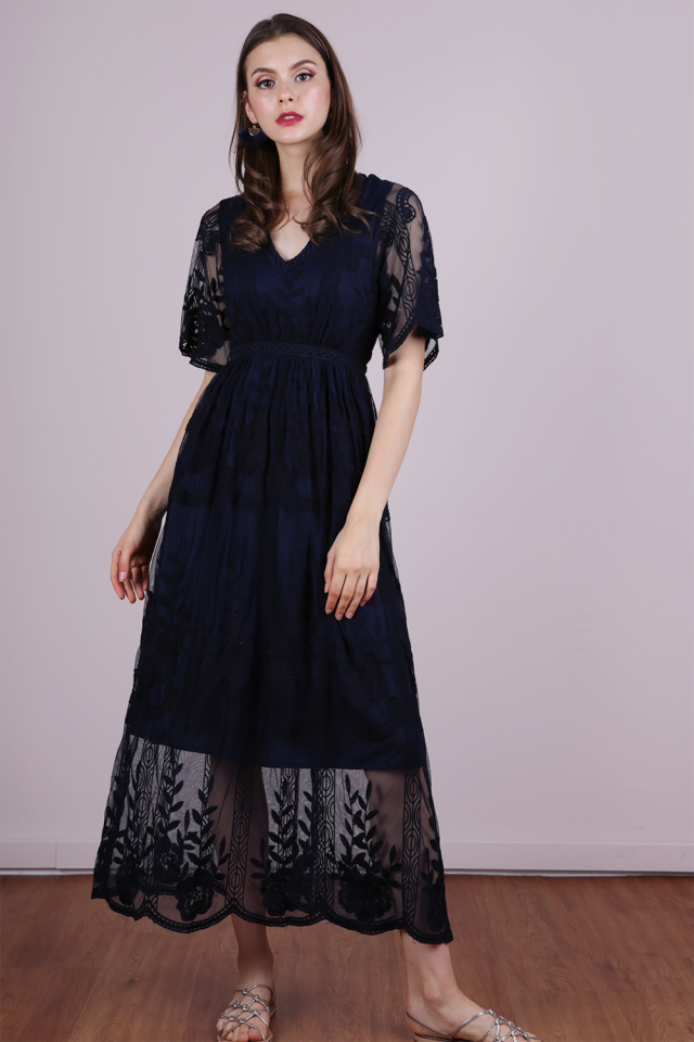 Isla Mesh Embroidery Dress (Navy)