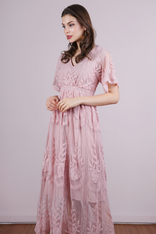 Isla Mesh Embroidery Dress (Blush Pink)