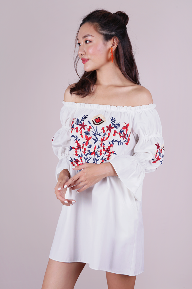 Emmie Embroidery Dress (White)