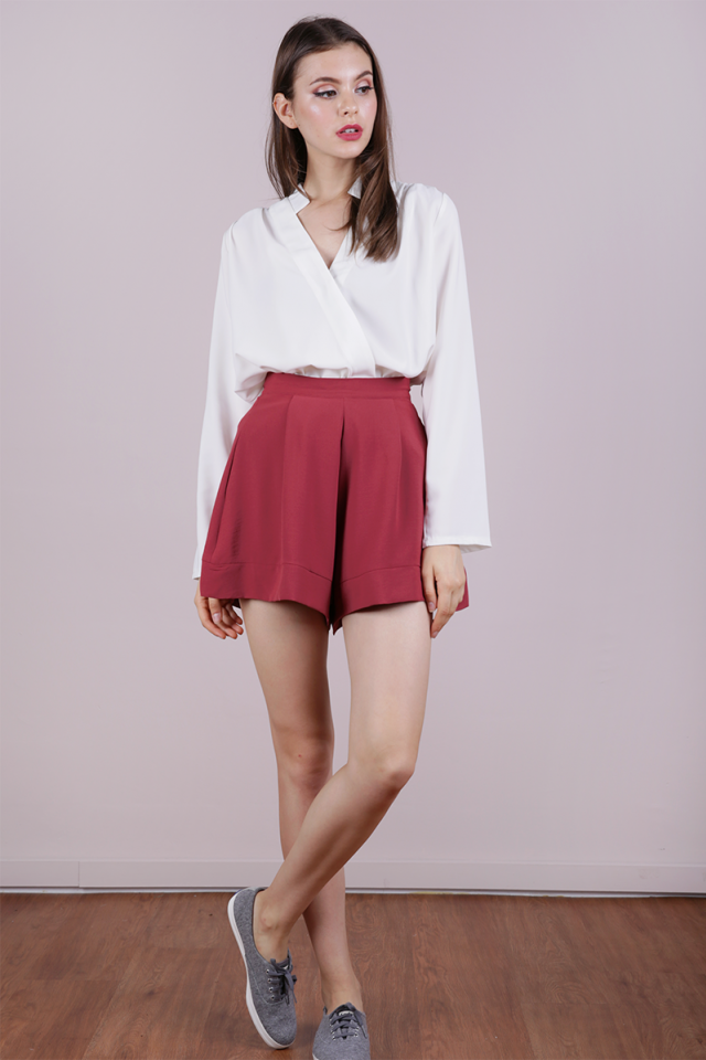 Reni Wavy Shorts (Dusty Crimson)