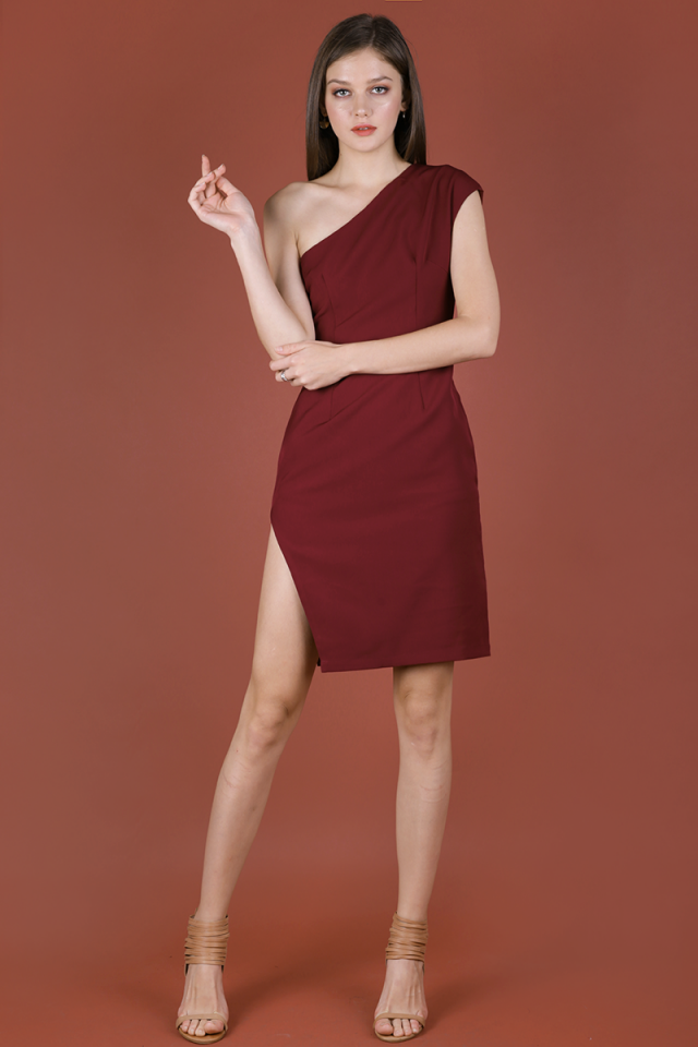 Beau Toga Dress (Burgundy)