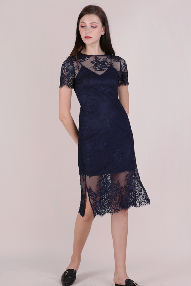 Veneta Lace Sleeved Dress (Navy)