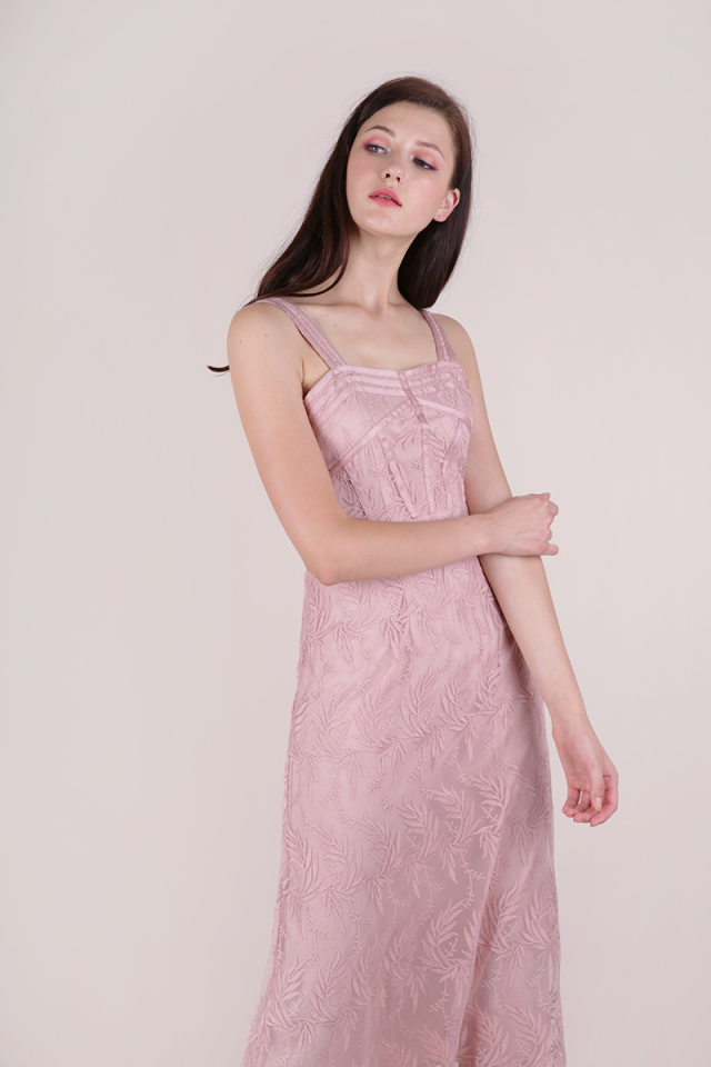 Isabel Mesh Embroidery Dress (Pink)