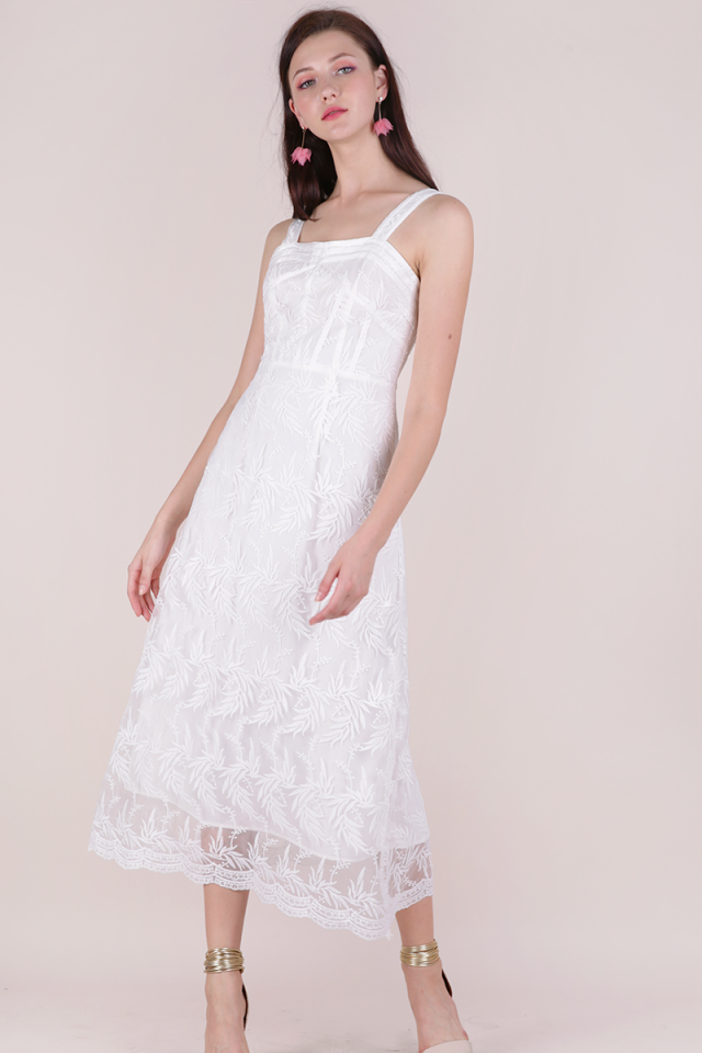 Isabel Mesh Embroidery Dress (White)