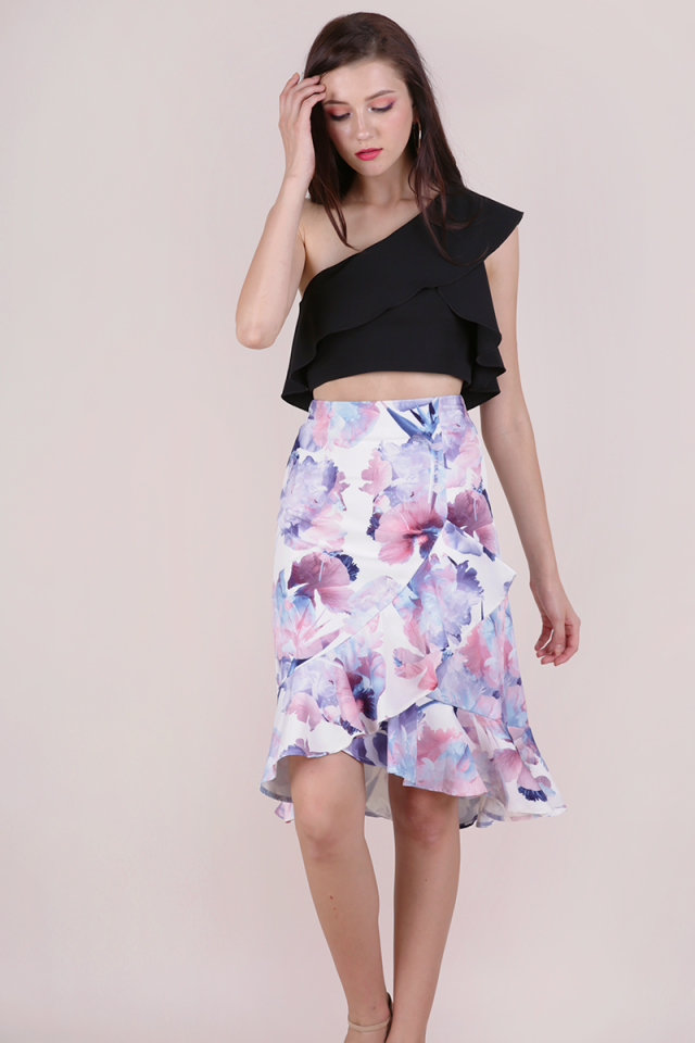 Clover Ruffles Skirt (White Abstract)