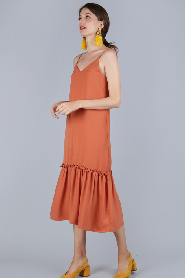Holly Dip Hem Dress (Apricot)