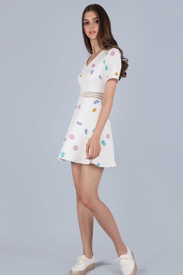 Tilda Sleeved Dress (White Confetti)