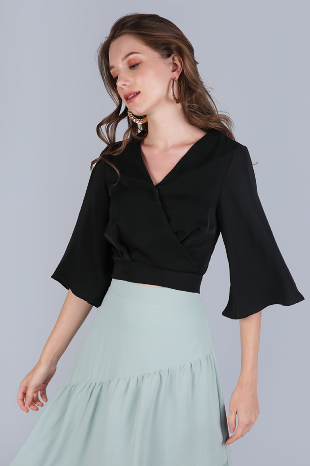 Jordyn Flare Sleeve Top (Black)