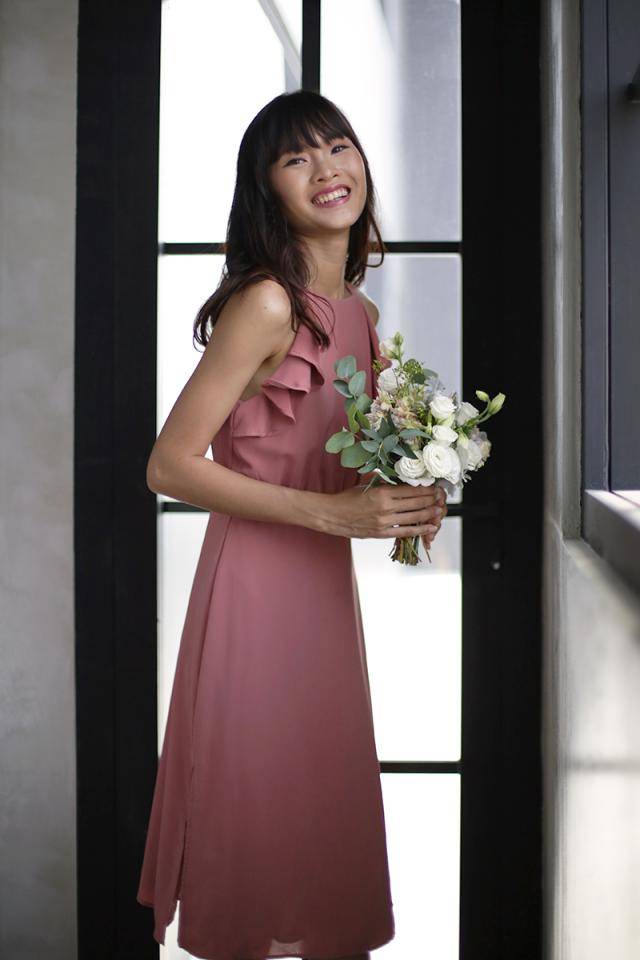 Chloe Ruffles Midi Dress (Rosewood)