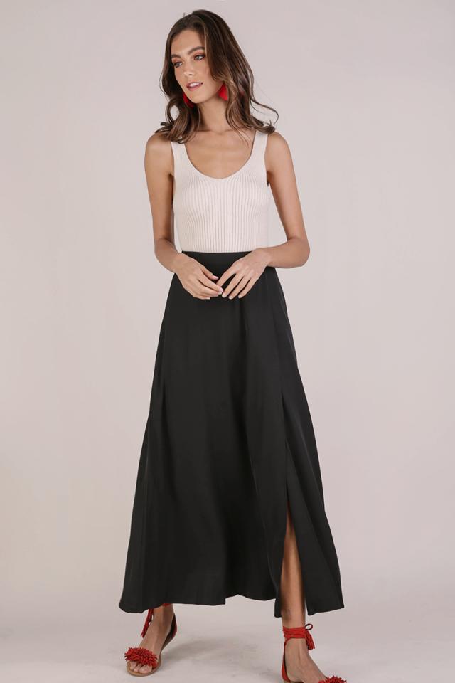 Odelia Slit Maxi Skirt (Black)