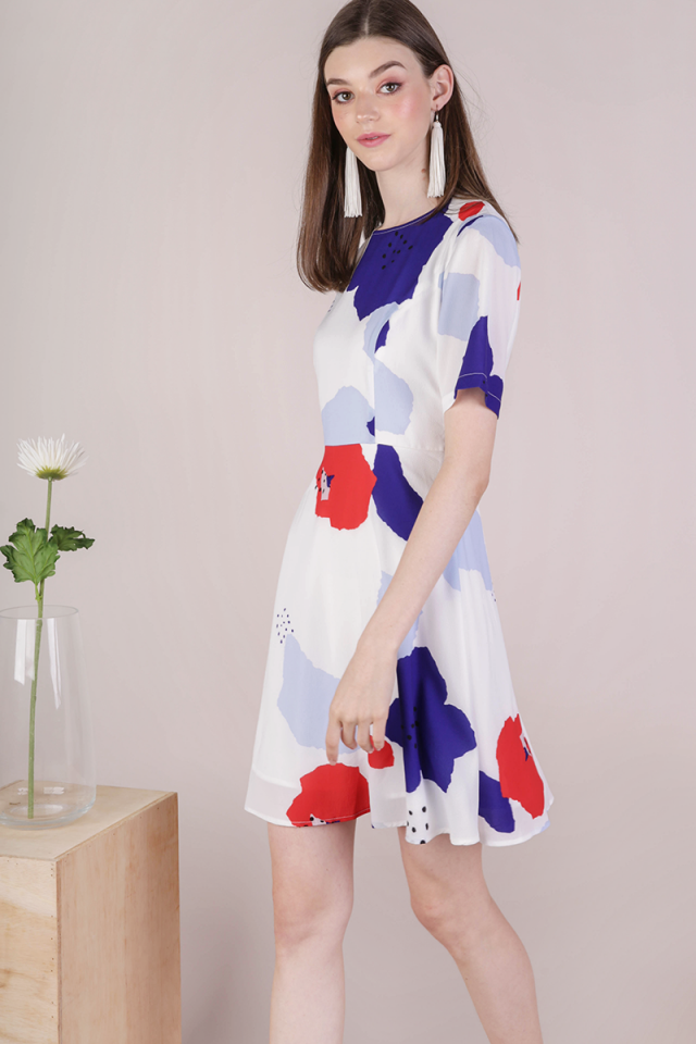 Danielle Sleeved Dress (Bold Florals)