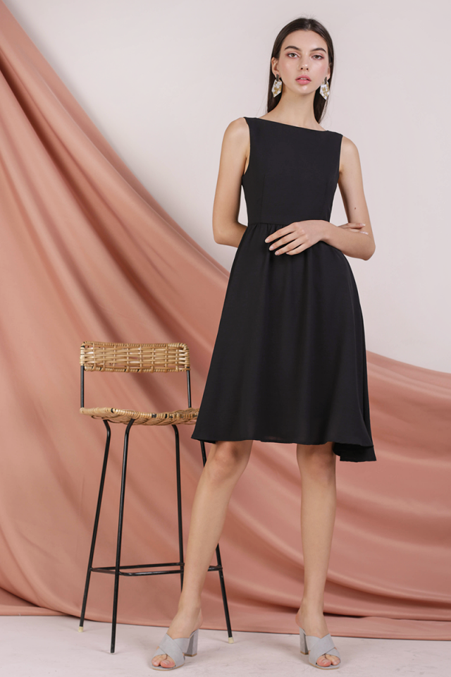 Tara Boat Neck Midi Dress (Black)