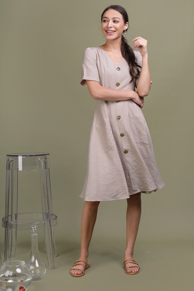 Landon Sleeved Button Midi Dress (Wheat)