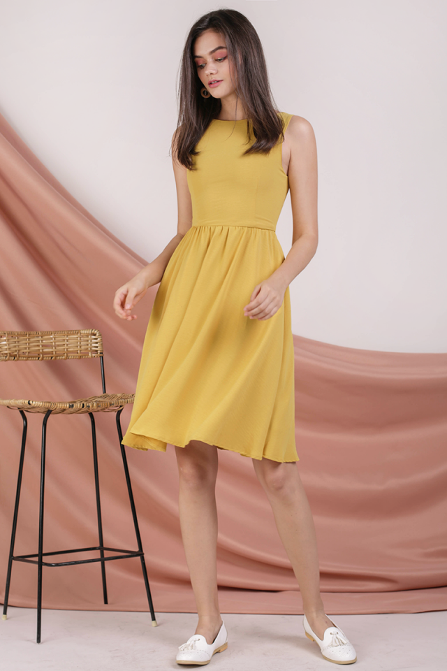 Tara Boat Neck Midi Dress (Yellow)