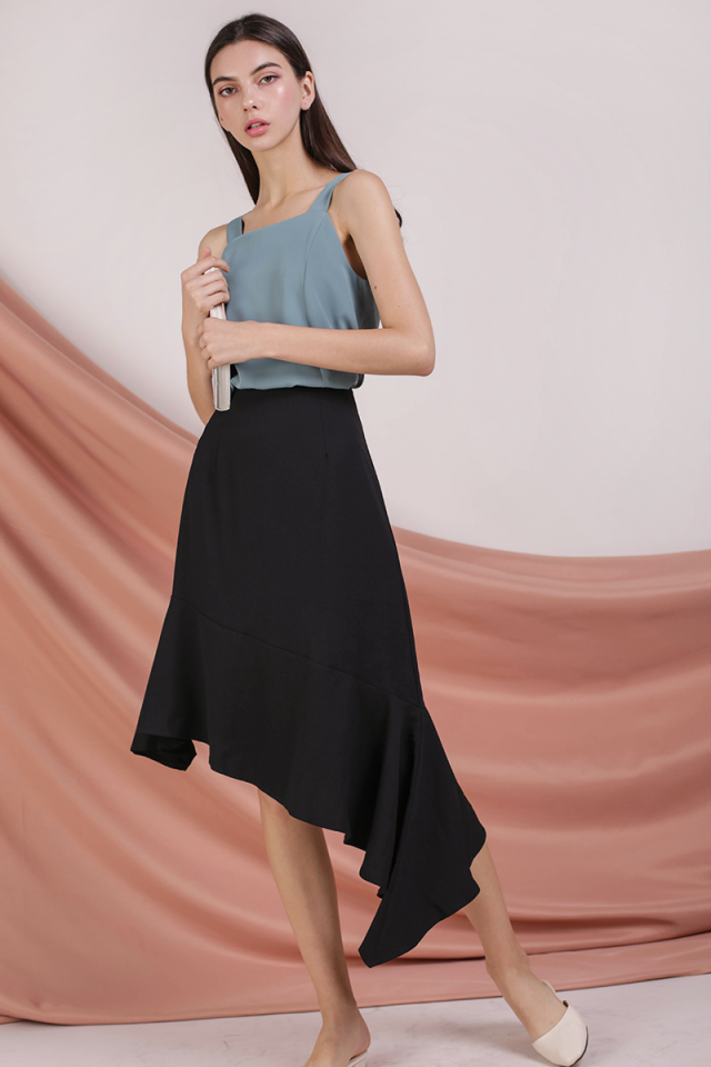 Benita Fishtail Skirt (Black)