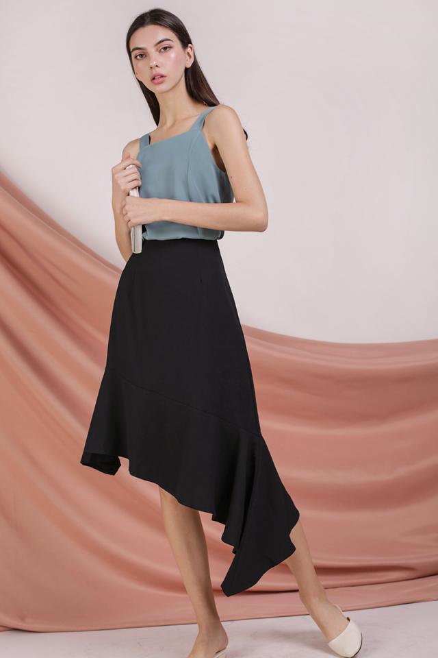 Benita Fishtail Skirt (Black)