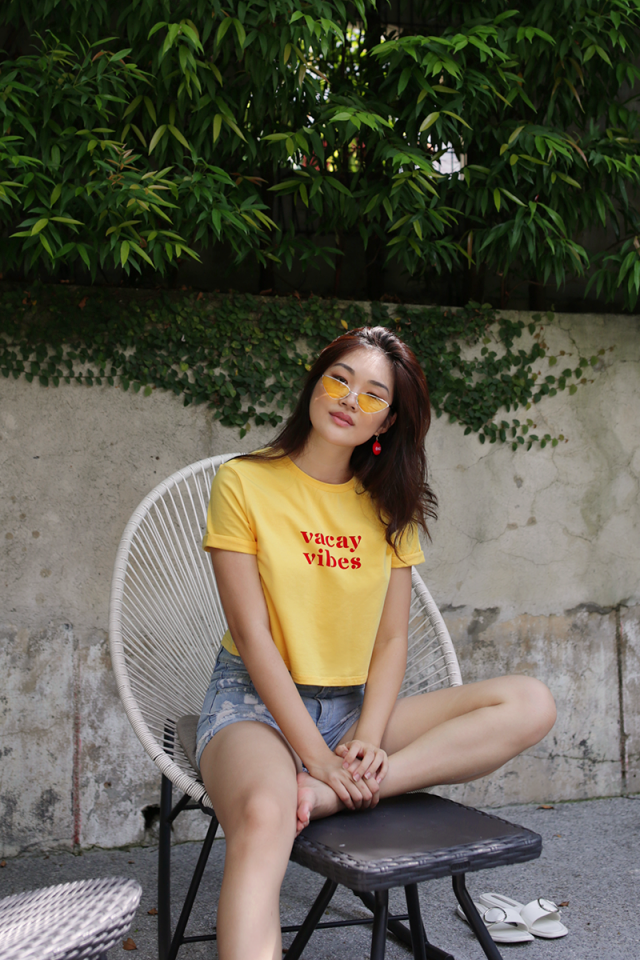 Vacay Vibes Cropped Tee (Yellow)