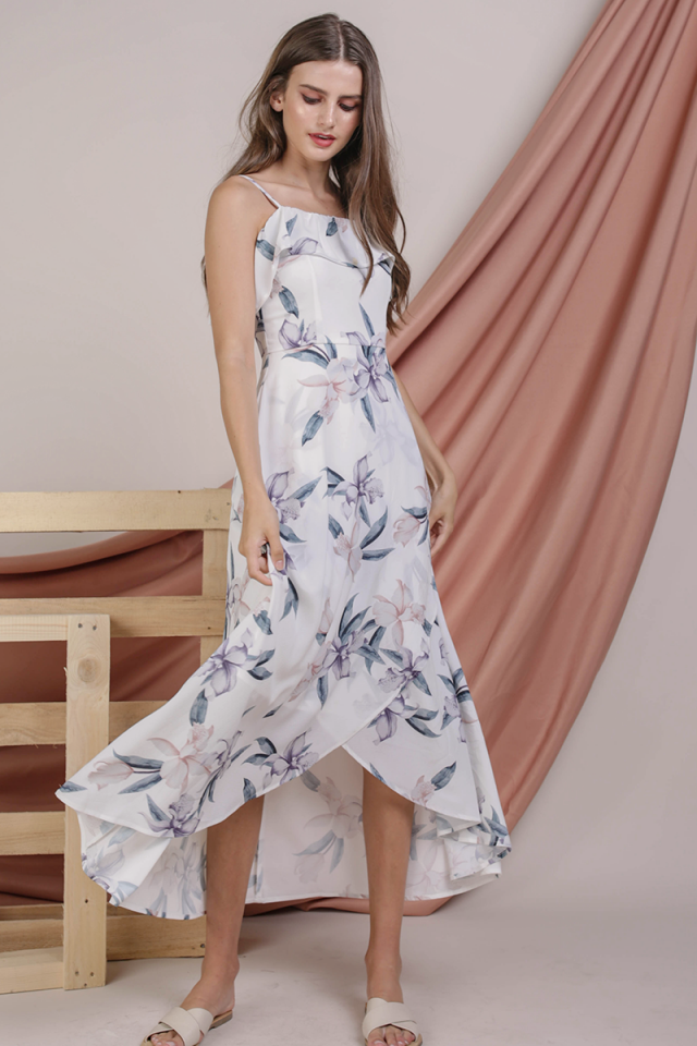 Arielle Ruffles Maxi (White Lilies)