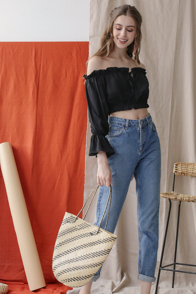 Alisa Off Shoulder Top (Black)