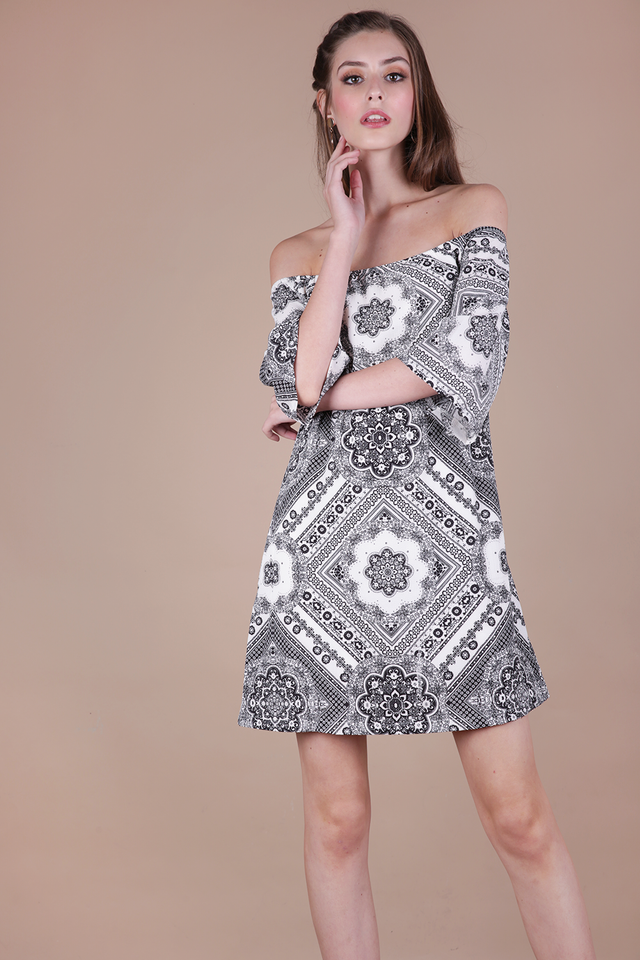 Tabitha Offsie Dress (Mono Print)