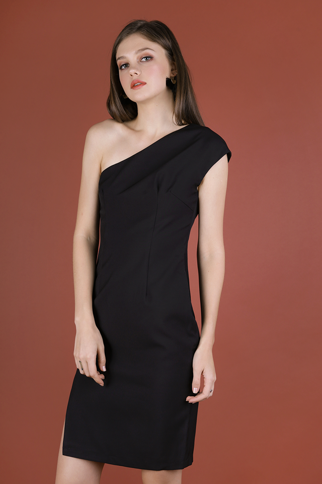 Beau Toga Dress (Black)