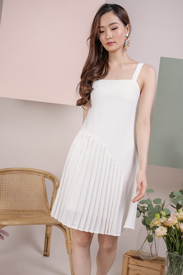 Mel Pleated Dress (White)