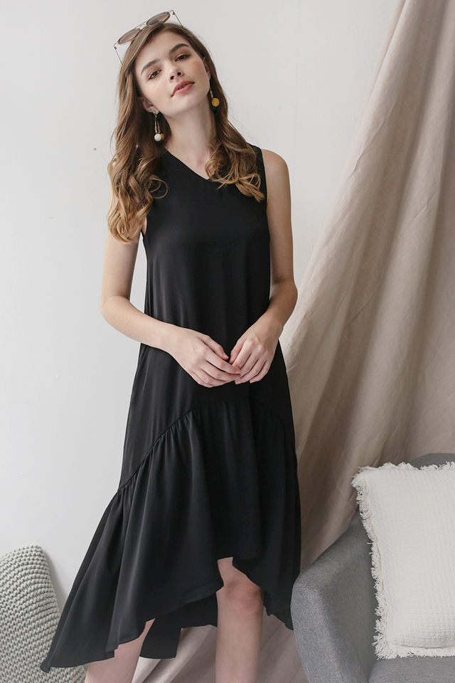 Gia Fishtail Dress (Black)