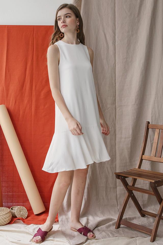 Jayne Drop Hem Dress (White)