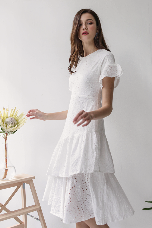 Della Sleeved Dress (White Eyelet)