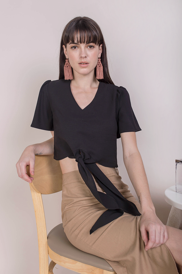 Aryn Tie Front Top (Black)