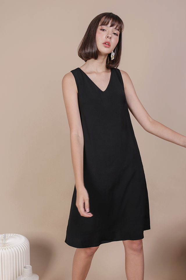 Floryn Shift Dress (Black)