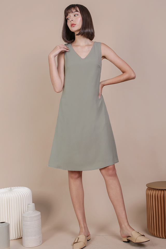 Floryn Shift Dress (Sage Green)