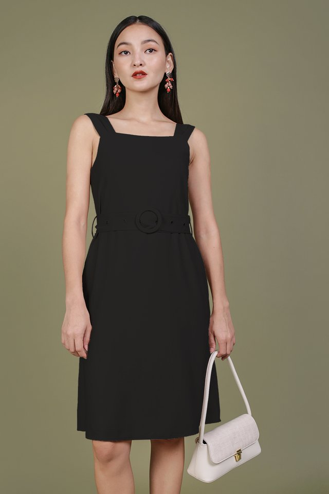 Idris Buckle Dress (Black)