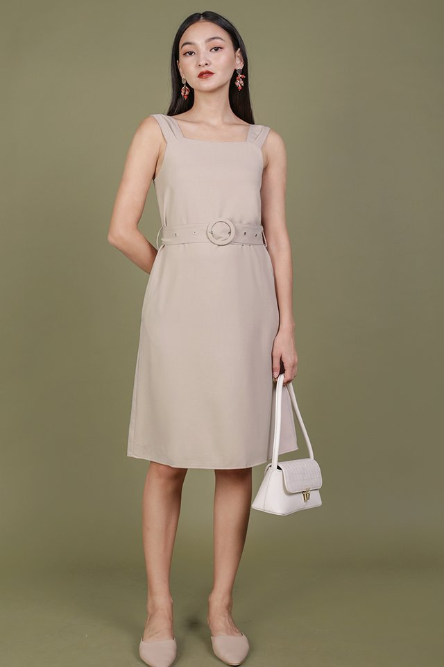 Idris Buckle Dress (Nude)