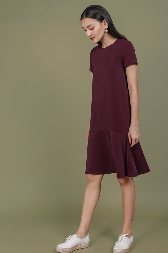Livia Sleeved Midi Dress (Plum)