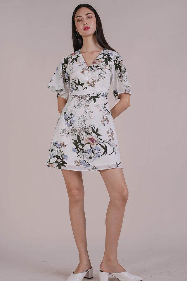 Lesley Flare Dress (White Bouquet)