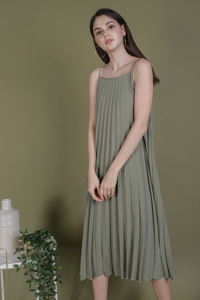 Adina Pleated Dress (Sage Green)