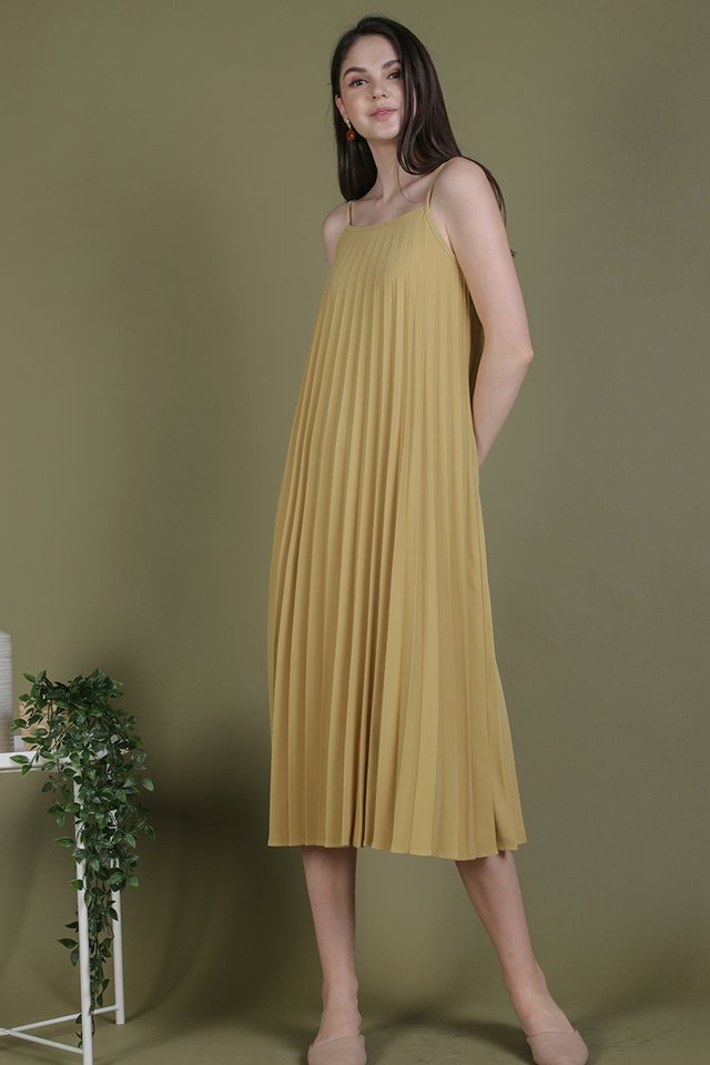 Adina Pleated Dress (Ginger Yellow)