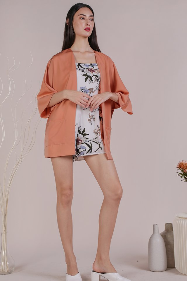 Ari Kimono (Peach)